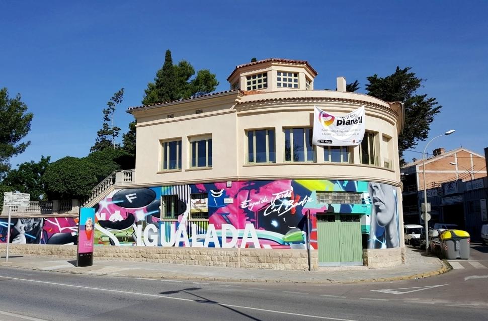 El graffiti de la façana exterior, una de les actuacions de l'any passat