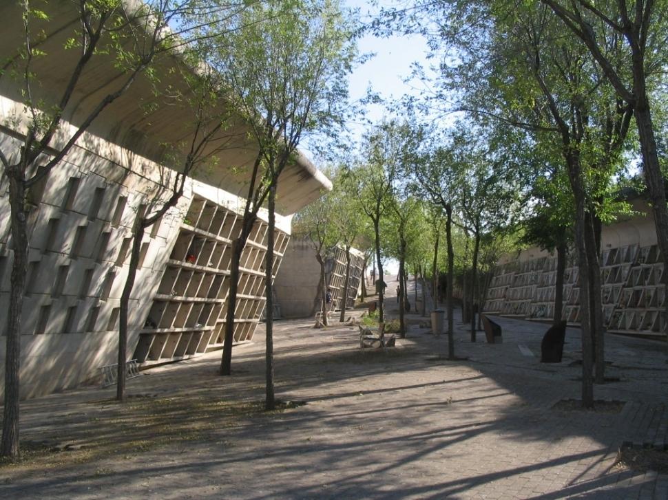 El Cementiri Nou, obra d'Enric Miralles i Carme Pinós