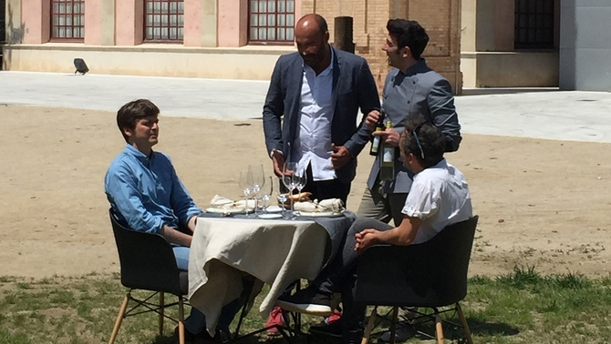 Els convidats, amb Llucià Ferrer i el cuiner David Garcia