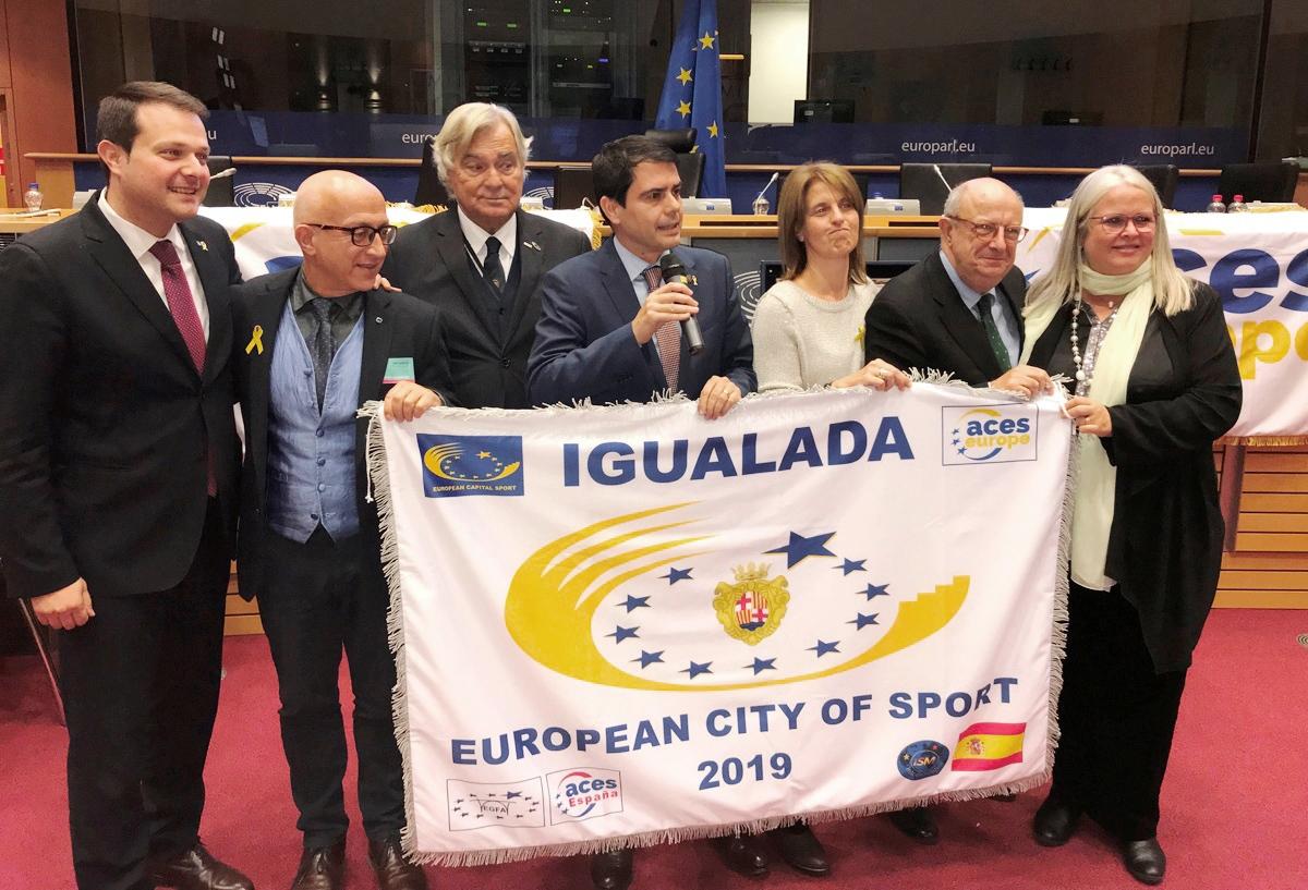 La delegació igualadina, amb l'alcalde i els regidors Plassa i Camps, a Brussel·les