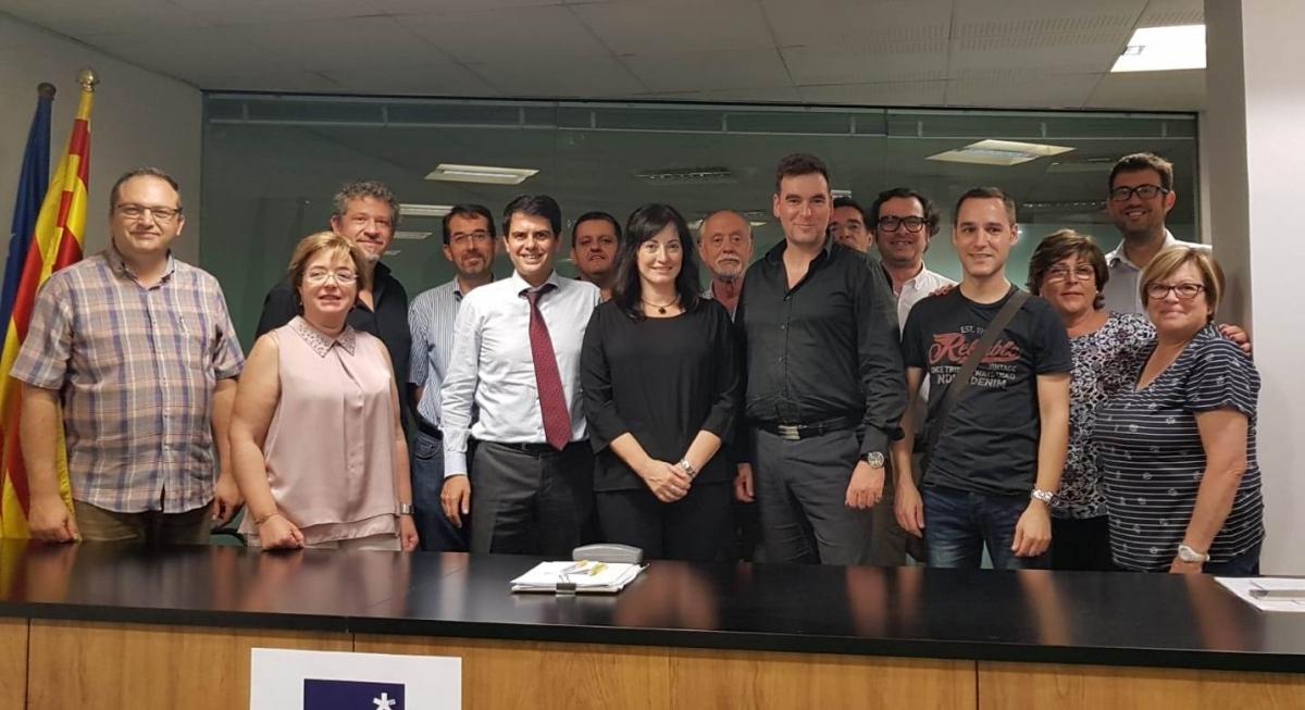 Fotografia de família de la nova direcció del PDeCAT igualadí