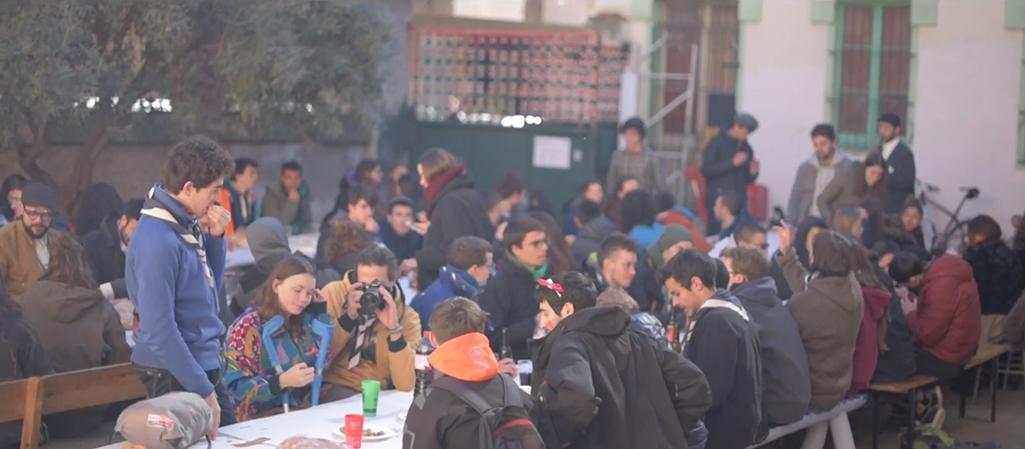 Calçotada Popular - Carnaval 2018 (CSA Delícies) Calçotada Popular organitzada per Trucs Karakorum, de l'AEiG Jaume Caresmar i M. Antònia Salvà, amb el suport de l'Associació Juvenil La Collanada, al CSA Delícies