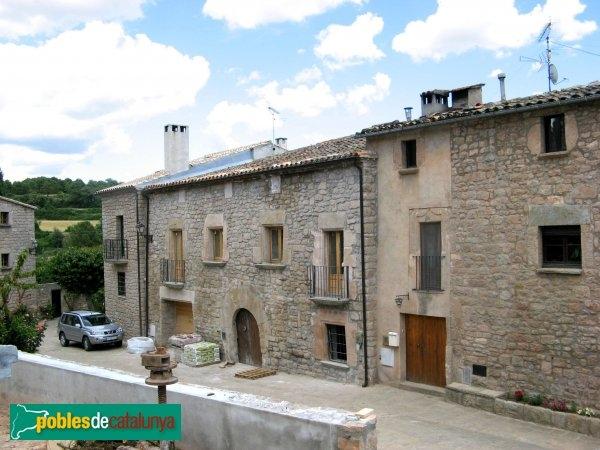 El carrer Major de Sant Pere Sallavinera - foto de poblesdecatalunya