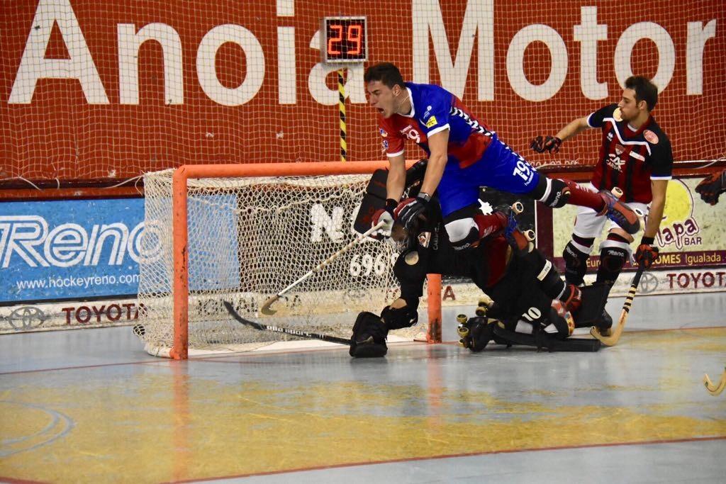 Tety Vives tanca el marcador amb un gol espectacular (Foto: Xavi Garcia)
