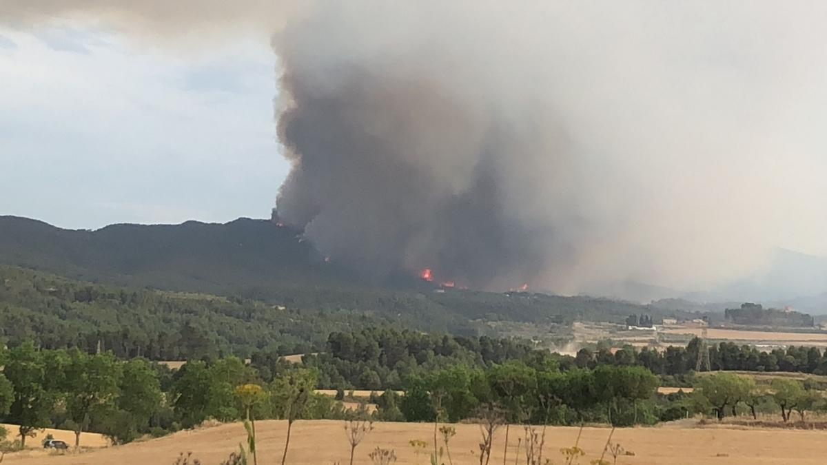 Vista de l'incendi des de Tous