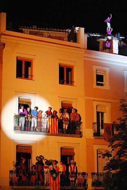 Els moixiganguers van fer un pilar sobre d'un terrat. (Foto ajuntament Igualada)