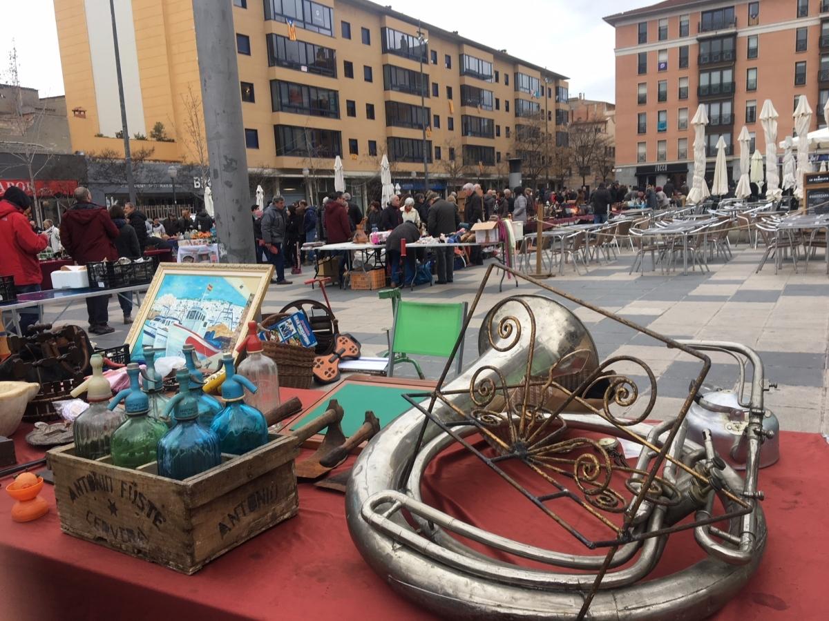 Anticuaris a la plaça de Cal Font