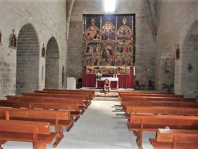 Interior de l'església de Santa Maria de Rubió (Foto: UECANOIA)