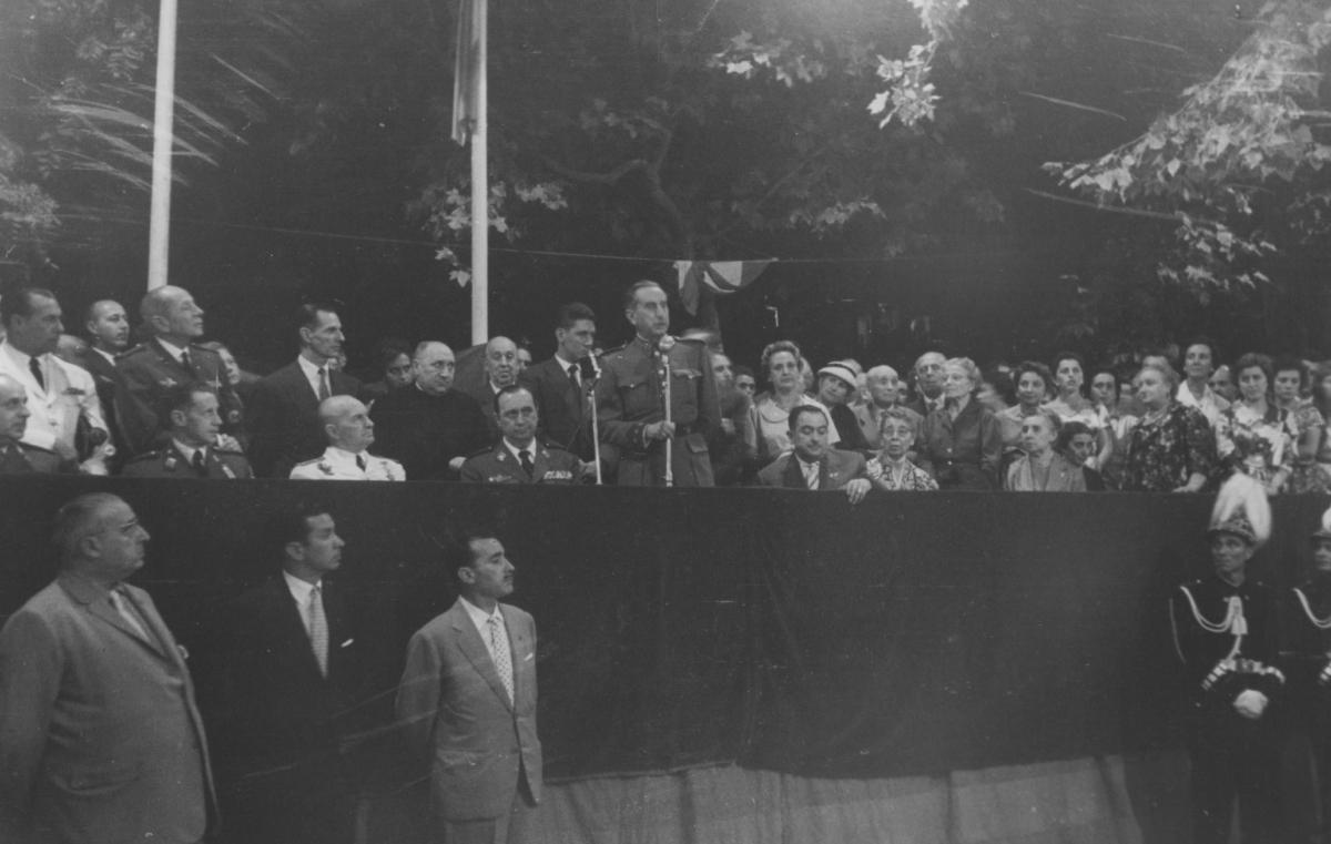 Fernando, dret, i el seu germà Francisco, a Igualada el 1958 FOTO: Arxiu Comarcal