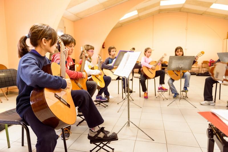 Alumnes de guitarra de l'EMMI, en una imatge d'arxiu